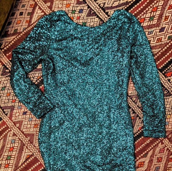 Dresses & Skirts - Emerald green sequin cocktail bodycon dress long s